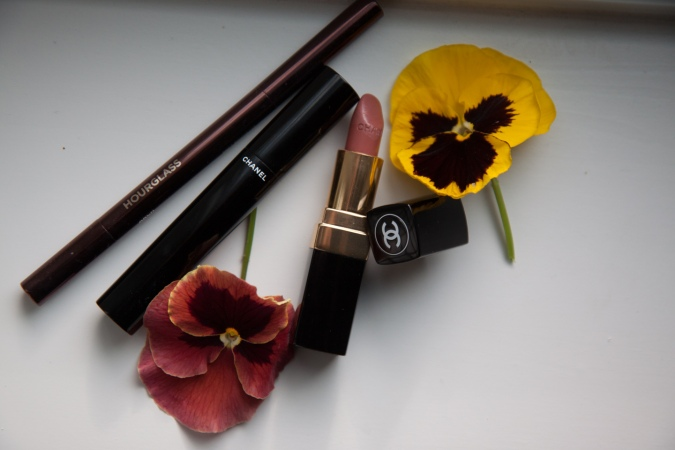 Chanel rouge coco hourglass